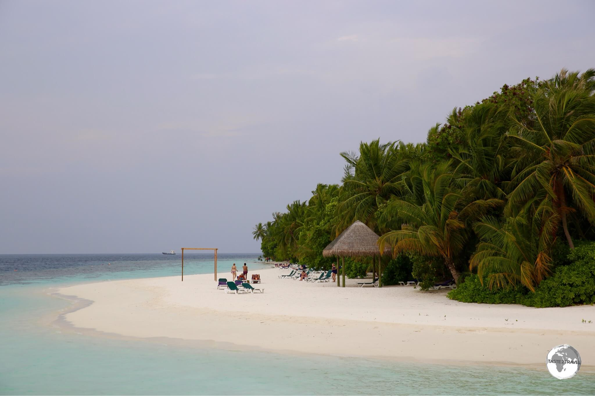 Vilamendhoo is ringed by white sand.