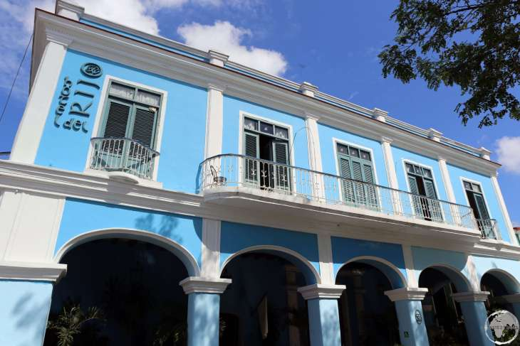 Exterior of the charming <i>Hotel del Rijo</i> in downtown Sancti Spiritus.