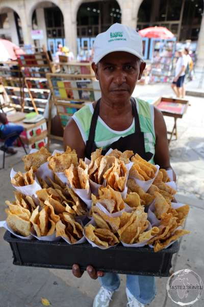 A snack vendor on the <i>Plaza de Armas</i> in Havana old town.
