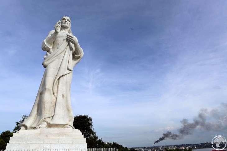 Overlooking Havana bay, the 20-m high, 350-ton, <i>Cristo de LaHabana</i> is carved from Italian Carrara marble.