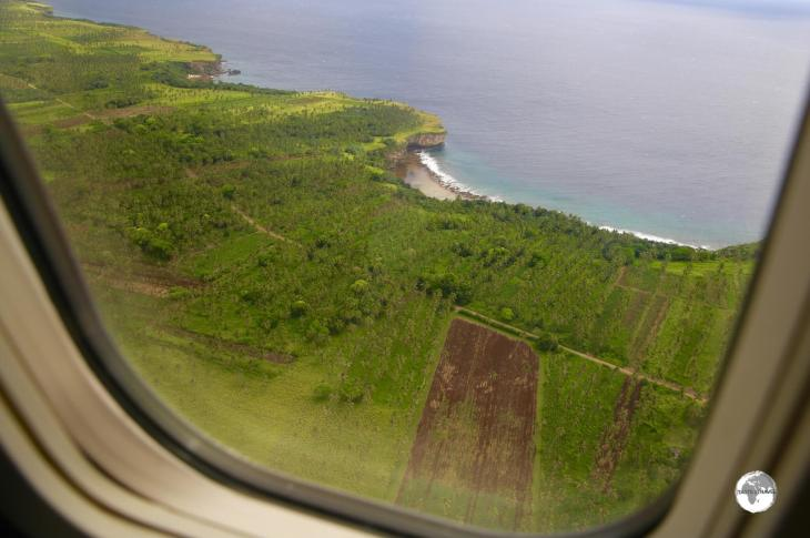 On approach to Fua'amotu International Airport with a view of the south coast of Tongatapu.