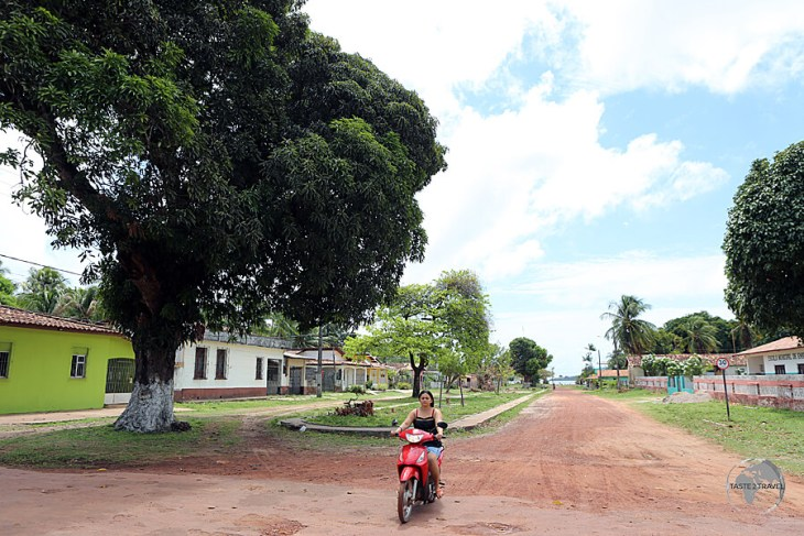 The streets of Soure are eerily quiet due to an absence of cars on Marajó Island.