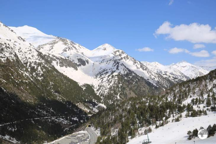 A panoramic view from the Arcalis ski resort (the road tunnel can be seen below).
