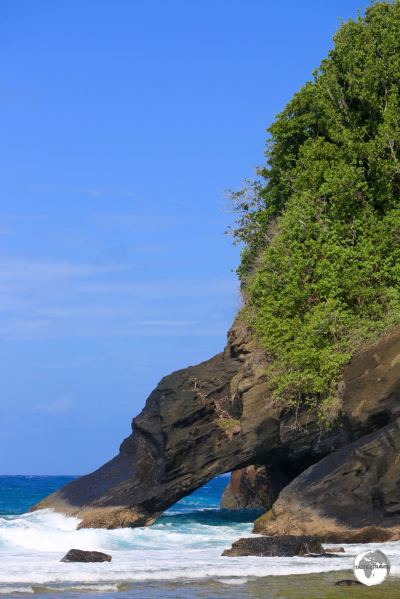 The dramatic coastline on Aunu'u Island.