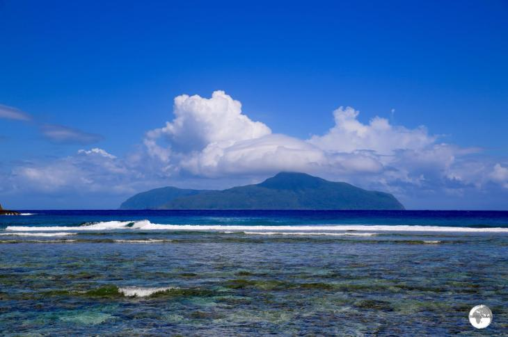 The islands of Ofu and Olosega, as seen from the island of Ta'u.
