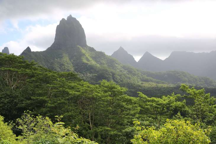 Created by ancient volcanoes, Moorea is incredibly rugged and beautiful.Created by ancient volcanoes, Moorea is incredibly rugged and beautiful.