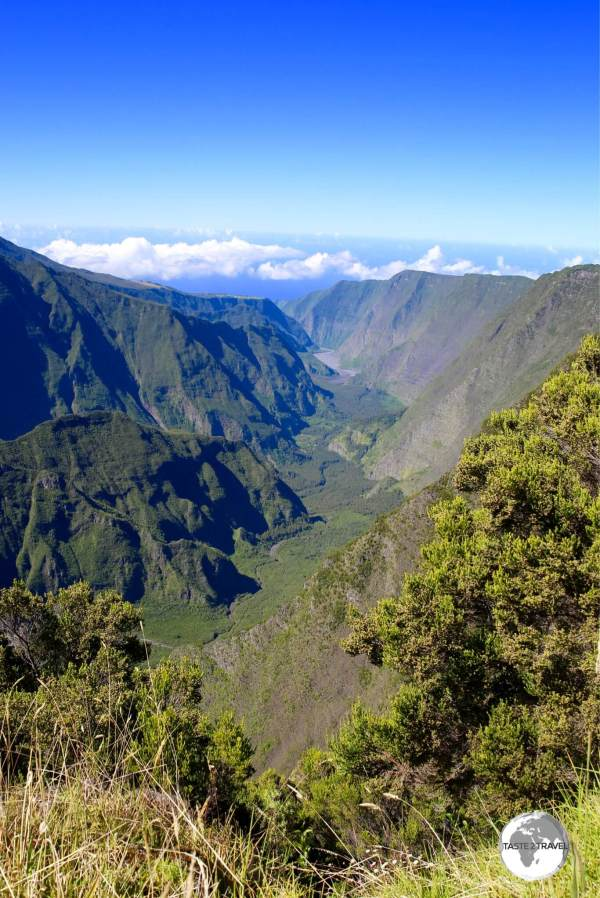 Another jaw-dropping view on the way to the Piton de la Fournaise is offered at <i>Point de Vue Après Nez de Boeuf</i>.