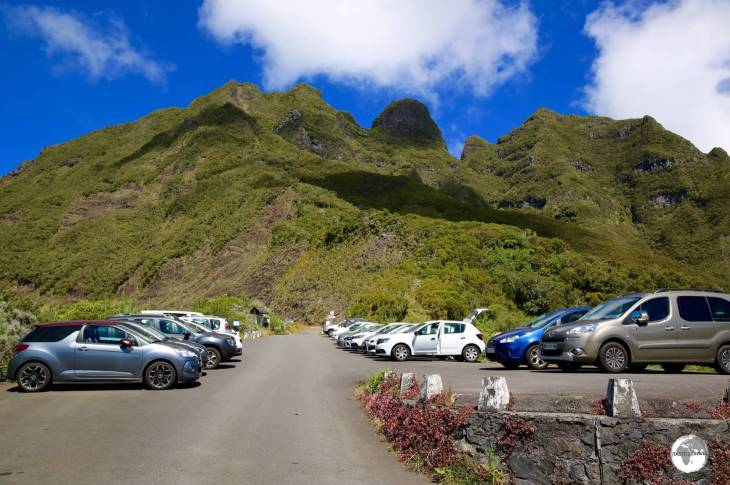 The end of the road to Cirque de Mafate, the car park at the Col des Bœufs pass.