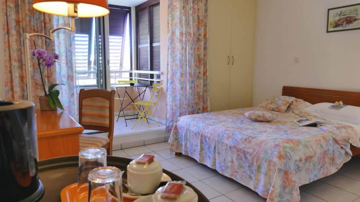 The comfortable and homely <i>Hôtel Le Kervéguen</i> in St. Gilles.