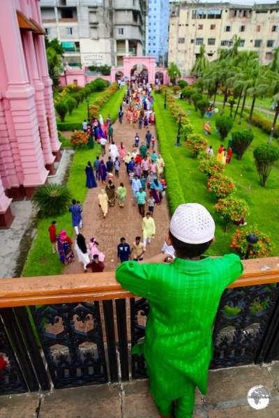 Dhaka Travel Guide: Visiting the Pink Palace (Ahsan Manzil) in Old Dhaka.