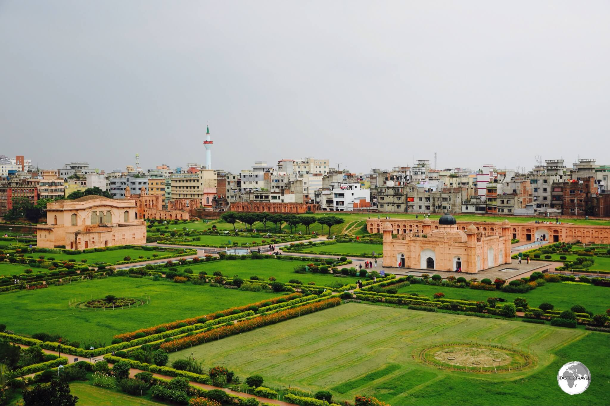 A fine panoramic view of Lalbagh Fort which is surrounded by the congested streets of Old Dhaka.