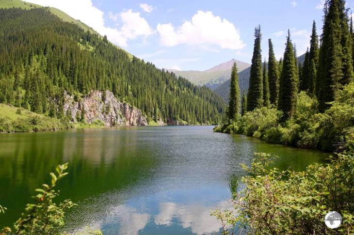The breathtakingly beautiful Kolsai Middle Lake.