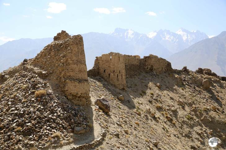 Yamchun Fort is built on a natural bluff which occupies a commanding position, high above the Wahkan valley.