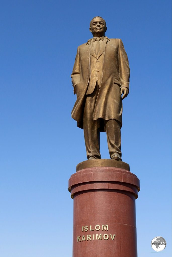 This statue of Islam Karimov in Samarkand bears a striking resemblance to Lenin statues found elsewhere in the region.