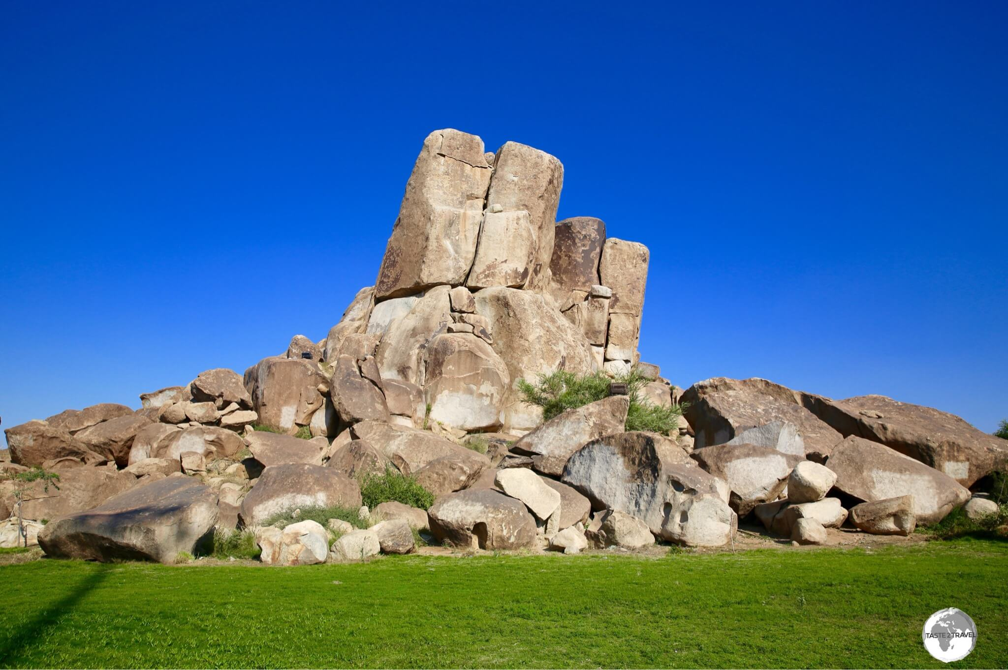 Al Rudaf Park in Taif is renown for its large piles of granite boulders which are a landscape gardener's dream.