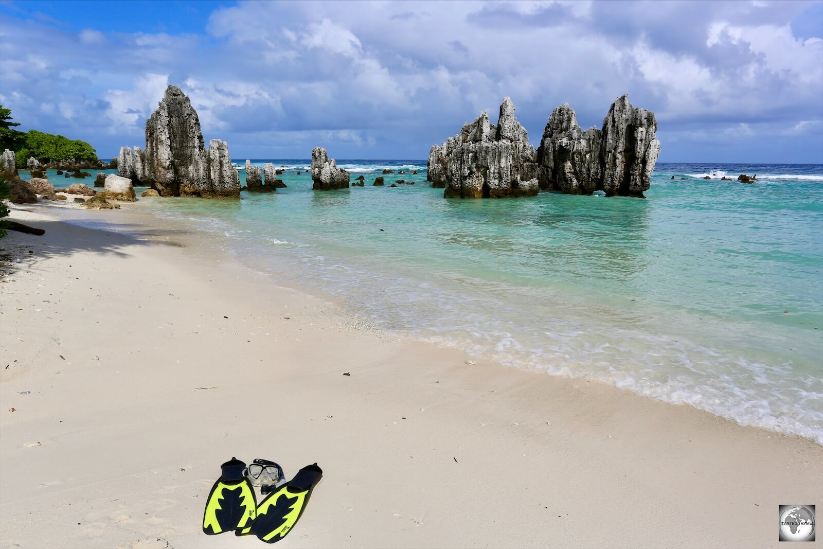 Ready to do some snorkelling among the limestone pinnacles at Anibare beach.