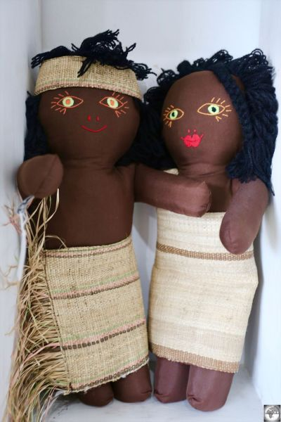 'Palm-Leaf' boy and girl dolls sell for US$25 each at Boneca de Ataúro.