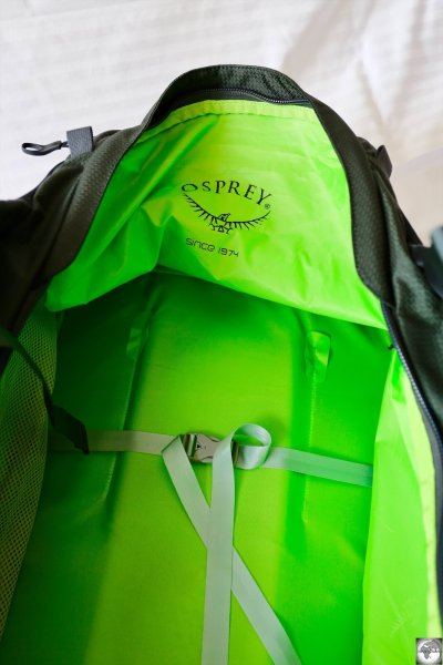 An interior view of the Osprey Sojourn with the stiffened zipper path allowing for easier packing.