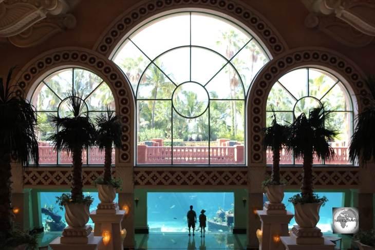 Giant Aquarium, Atlantis Resort, Nassau.