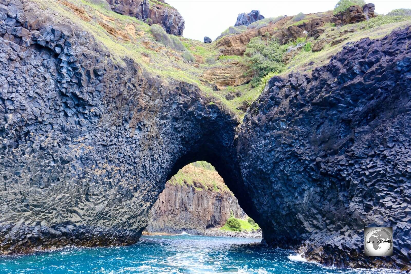 We passed through this spectacular archway on our way to our first dive site.