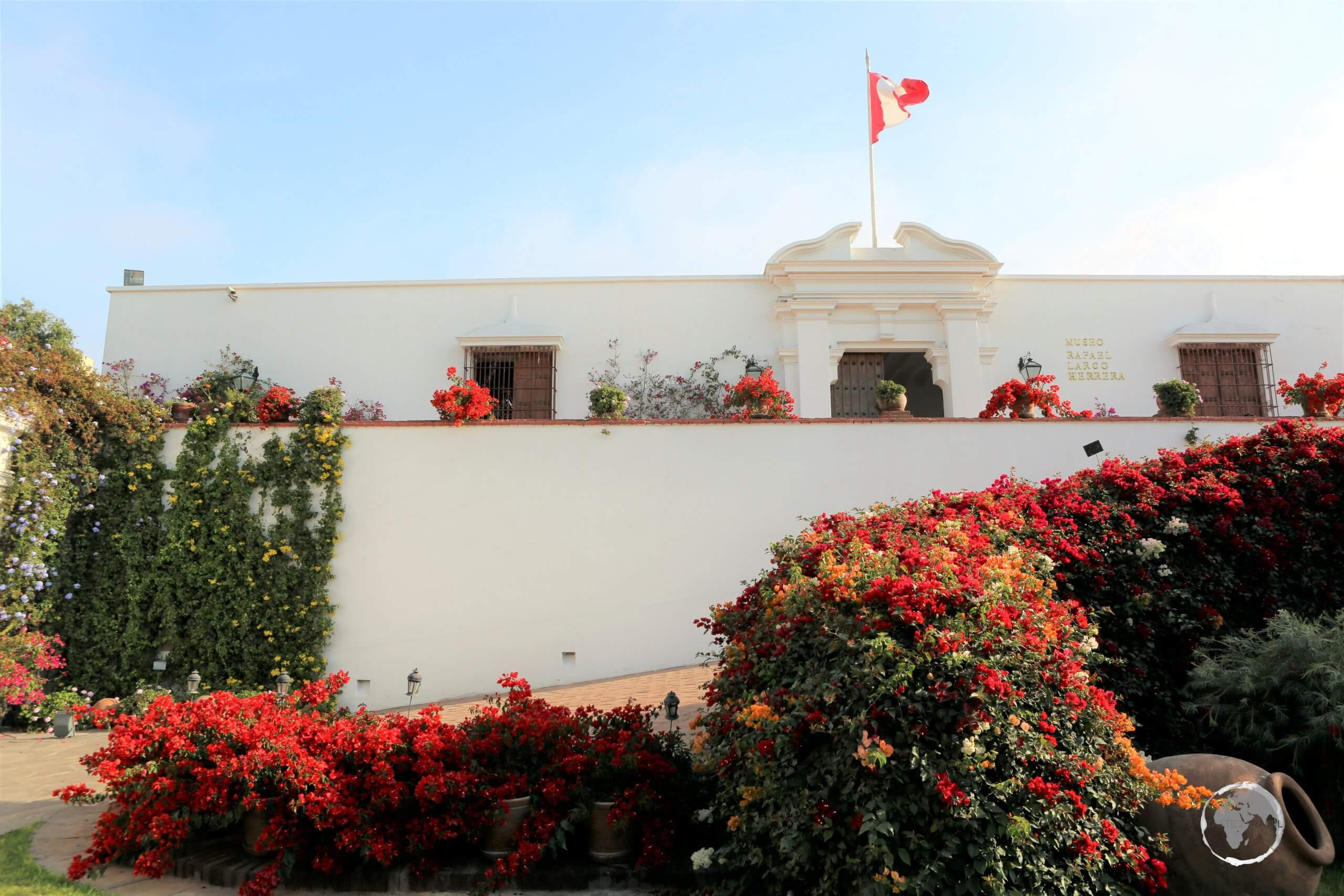 Known for its large collection of Pre-Colombian erotic art, Museo Larco is a privately owned museum, located in the Pueblo Libre District of Lima, Peru.
