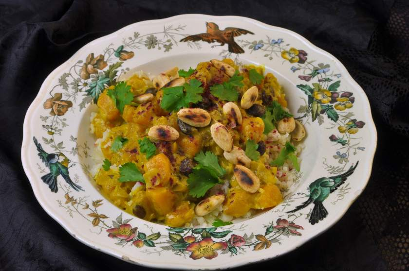 Curry_with_pumpkin_and_hibiscus_powder