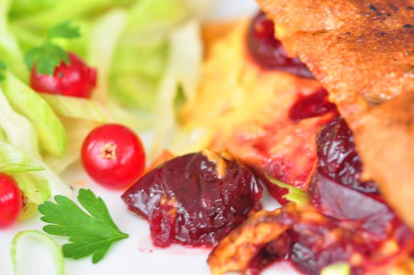 Toast_with_cheese_sauce_cherry_relish_and_sichua_pepper_3