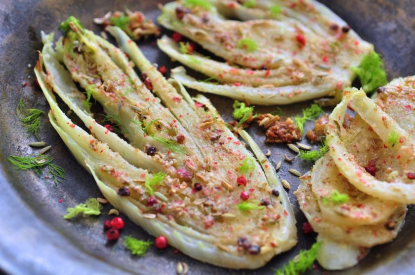 Baked_fennel_with_pink_pepper_and_almond_flour_1