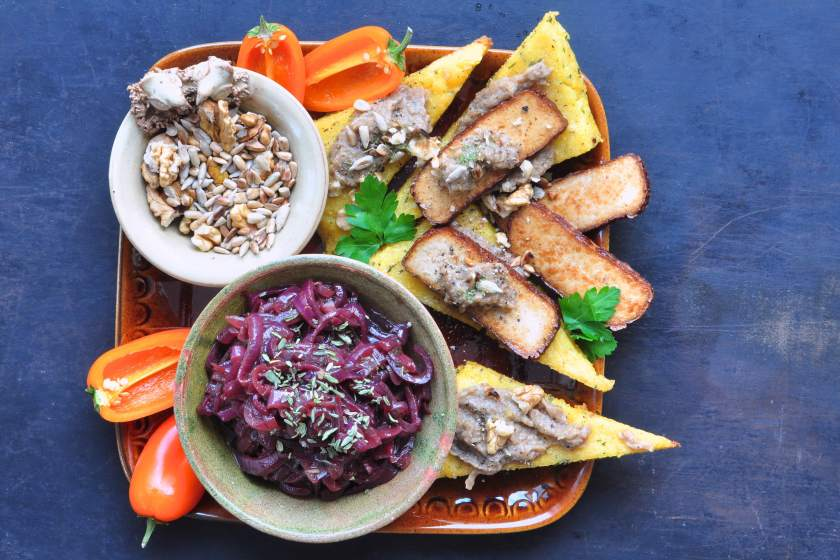 Polenta_with_smoked_tofu_and_shiitake_tapenade