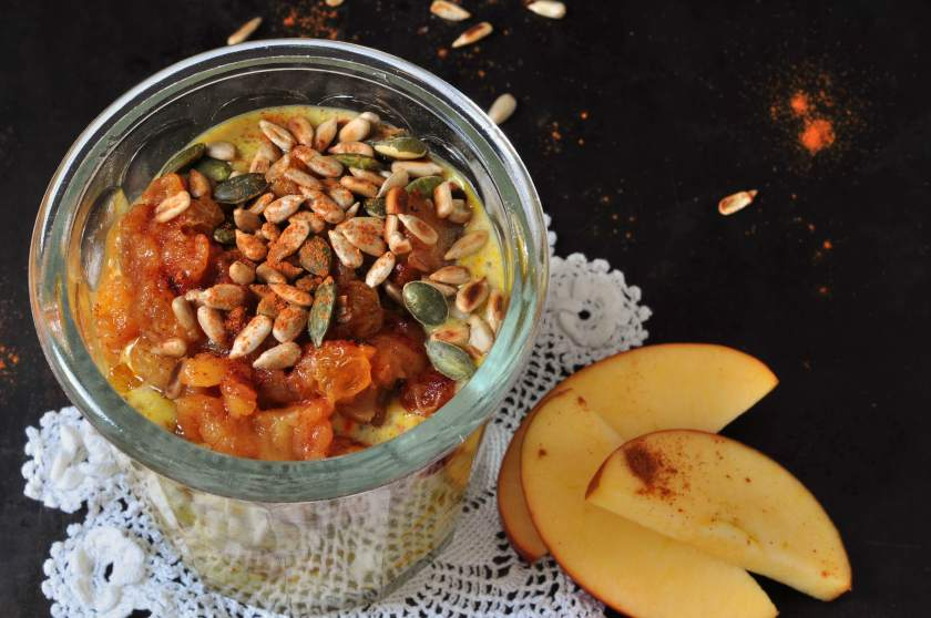 Chiapudding_with_saffron_and_warm_apples_2