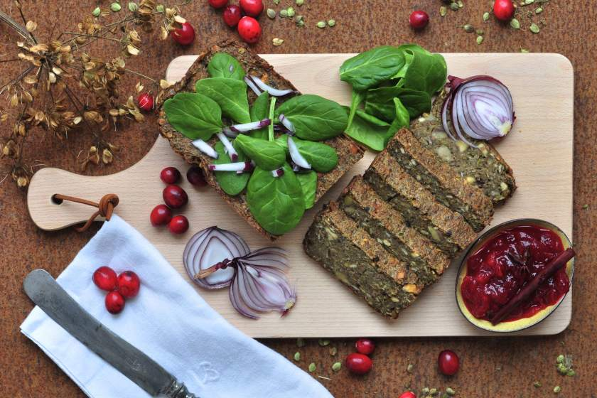 Green_pate_with_cranberry_sauce