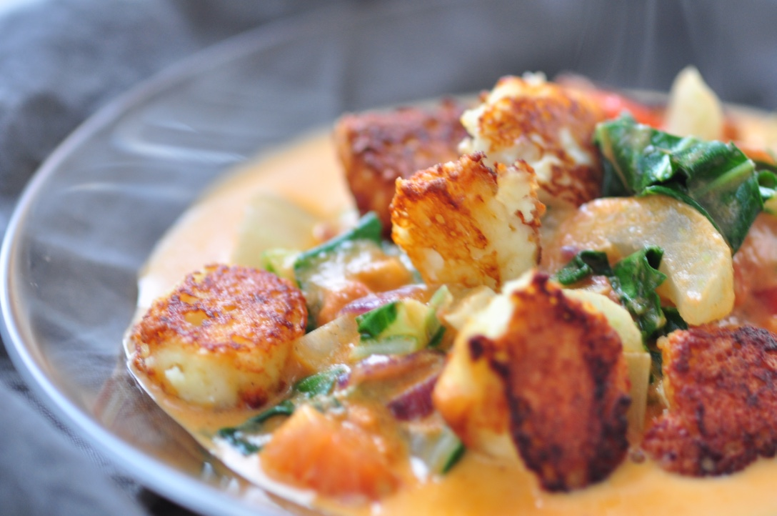 Homemade_paneer_with_pakchoi_and_curry