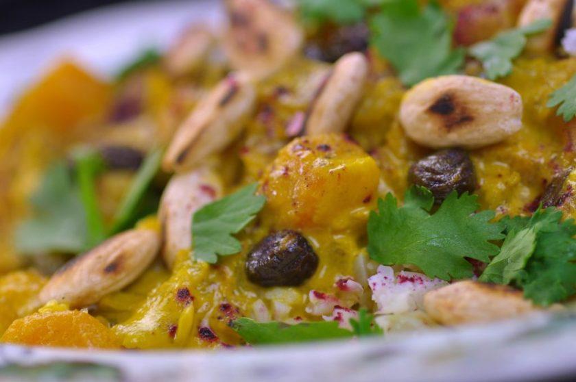 curry_med_pumpa_och_syrligt_hibiskuspulver_closeup