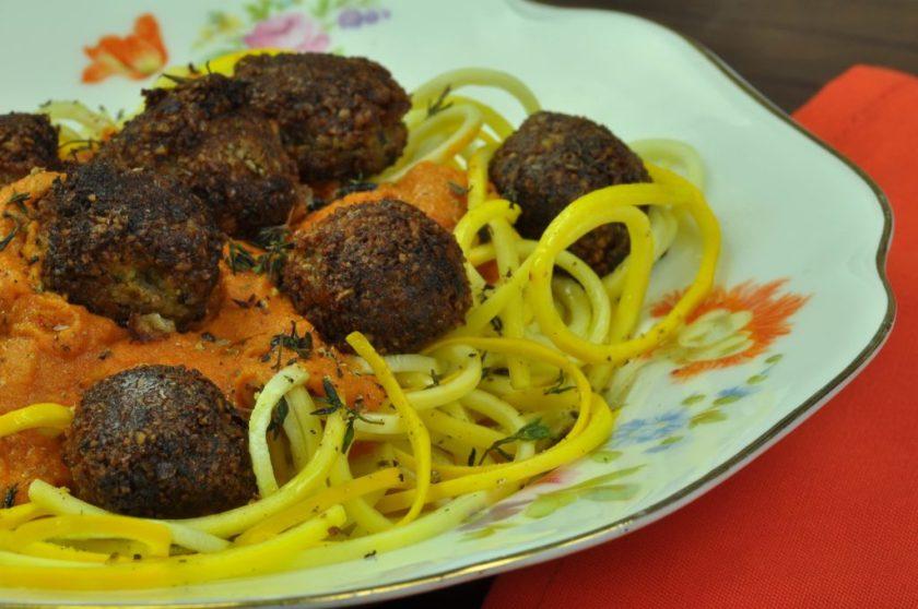 cashew_meatballs_closeup_2