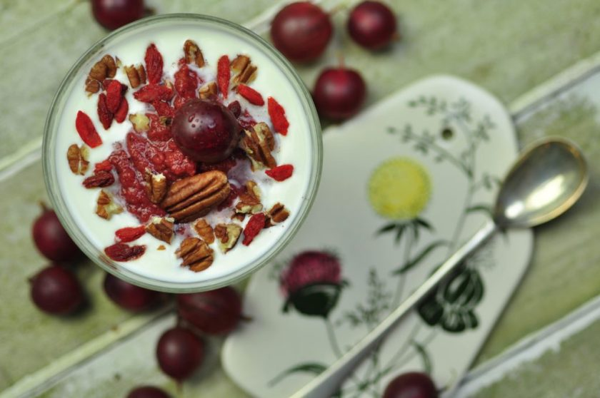 raw_gooseberry_compote