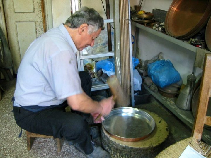 Τα πολύτιμα χάλκινα σκεύη κουζίνας στα Ιωάννινα