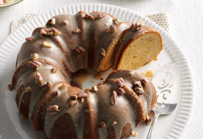60 Easy Christmas Desserts For A Crowd Taste Of Home