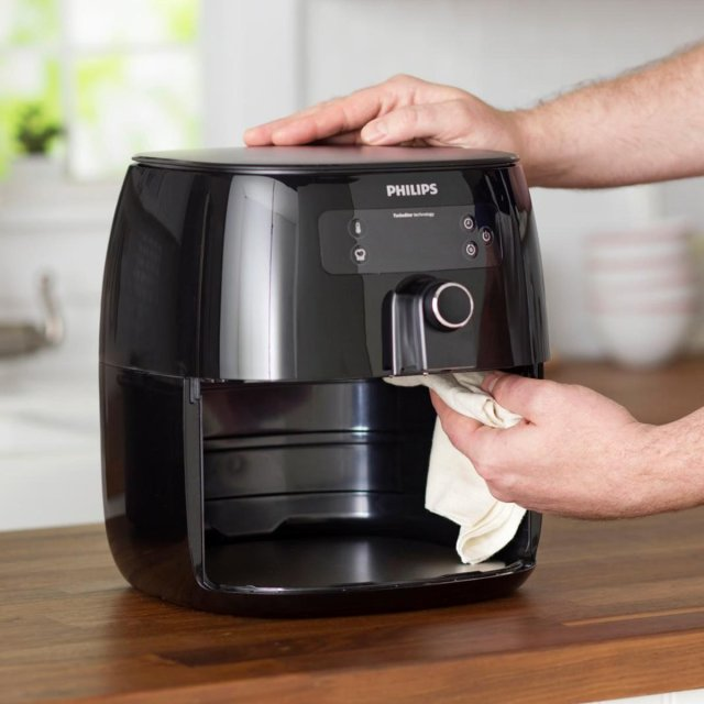 How to Clean an Air Fryer to Remove Baked-on Grease and Grime