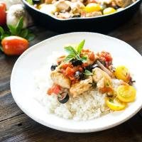 One Skillet Mediterranean Chicken is a healthy dinner packed with veggies and protein and fresh herbs that will be on the table in under 30 minutes.