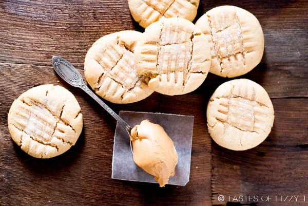 Soft Peanut Butter Cookies {Big, Bakery Style Cookie Recipe}