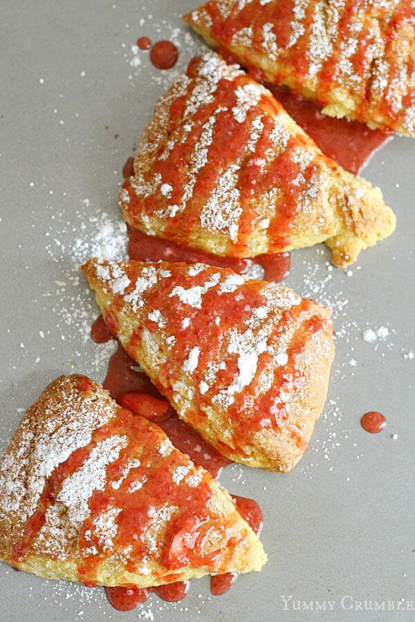 lemon-scones-with-strawberry-glaze