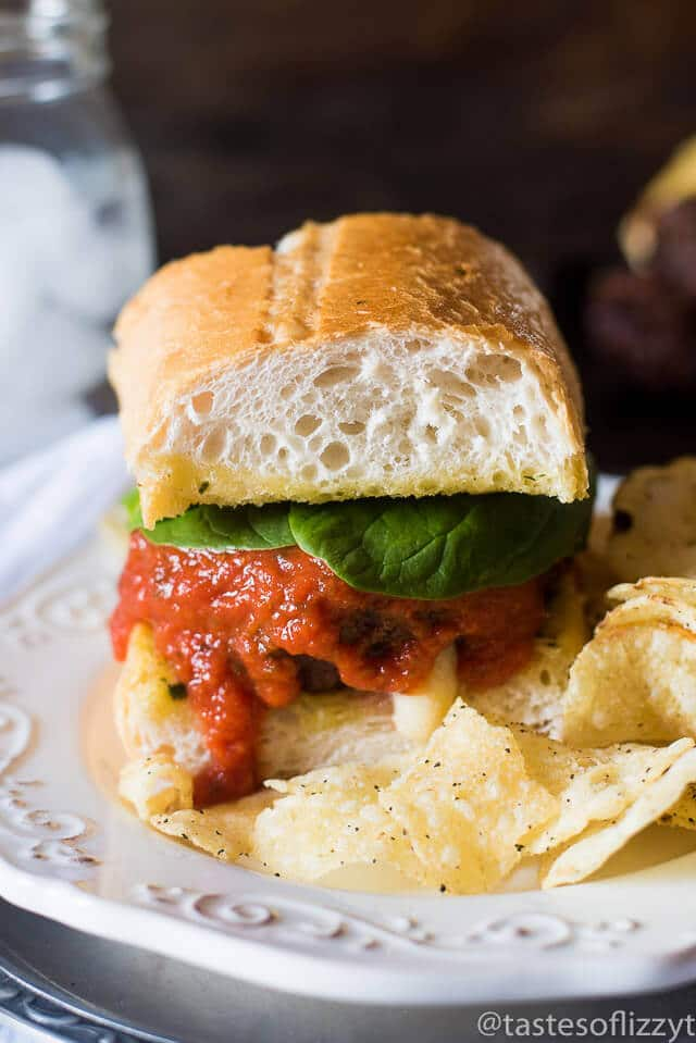 cheese-stuffed-lasagna-burgers