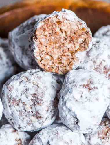 how to make bourbon balls with cocoa and pecans