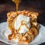 Cinnamon Roll Apple Pie with ice cream