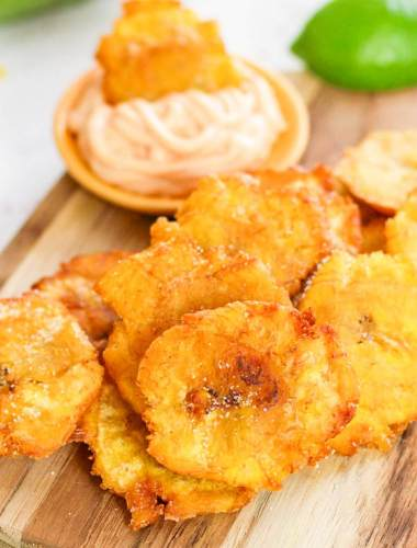 Fried Plantains with dipping sauce