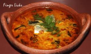 Thenga Aracha Meen Curry