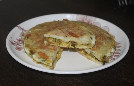 Chicken Masala Bread Pola