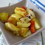 Tasting Good Naturally : Pommes de terre rôties aux oignons, poivrons et herbes du jardin