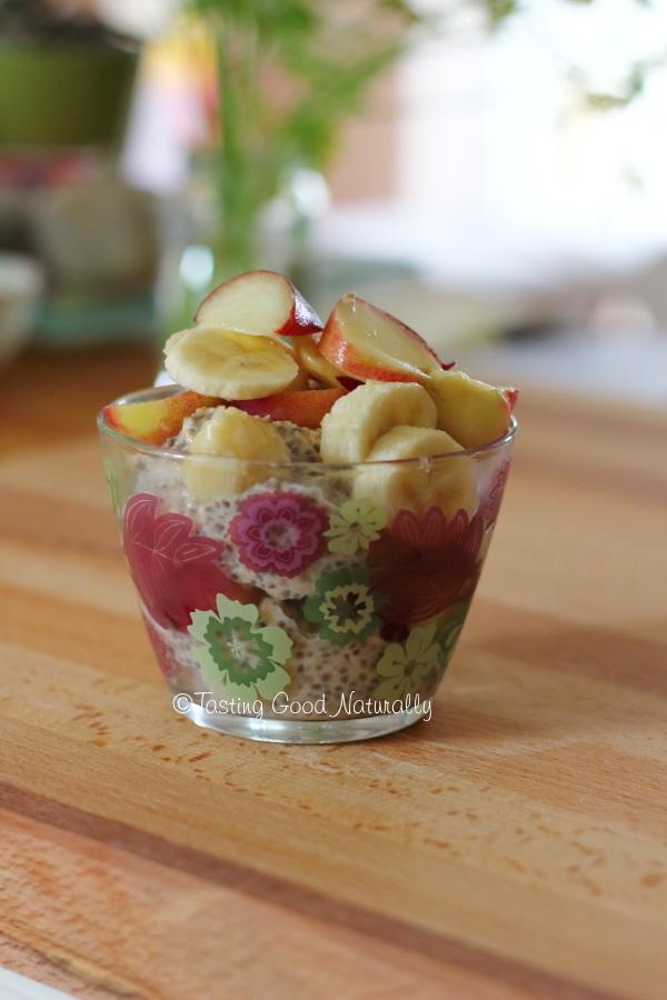 Tasting Good Naturally : Porridge aux flocons avoine, graines de chia et fruits frais #vegan