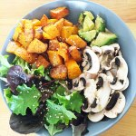 Courge et patate douce rôties et leurs crudités #vegan